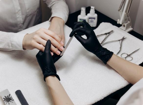 виды процедур по уходу за ногтями