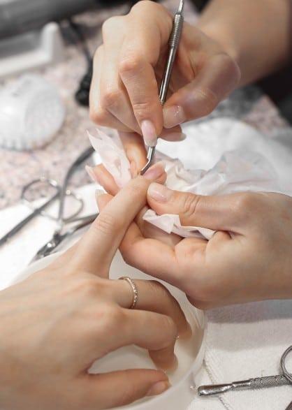 Коррекция нарощенных ногтей 2